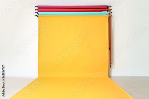 Foto Color backdrops in modern photo studio