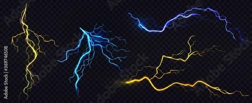 Photo Lightnings, thunderbolt strikes during storm at night