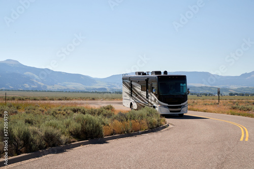 An RV parked in Jackson Hole Wyoming Fototapet