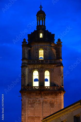 Carta da parati Loches; France - july 15 2020 : Saint Antoine tower