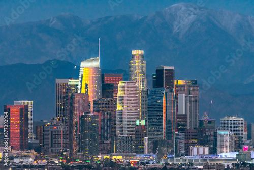 Fototapeta Los Angeles skyline at twilight