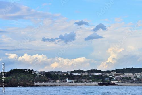 Fototapeta 湘南の海と真っ白な大きな雲