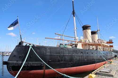 Obraz na plátně Old liner moored in the port of Tallinn, Estonia