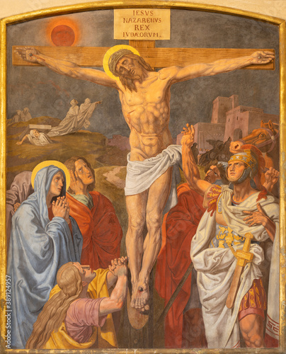 Canvas VIENNA, AUSTIRA - OCTOBER 22, 2020: The fresco of Crucifixion as part of Cross way station in the church of St
