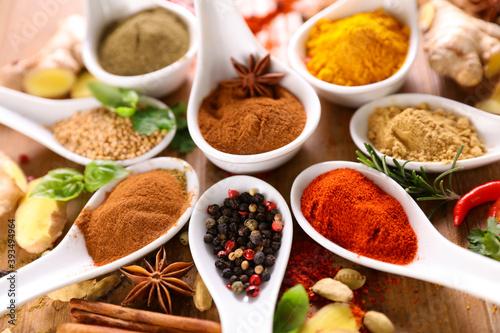 Murais de parede allspices- set of spices and ingredients