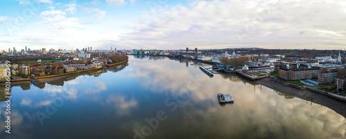 Cuadros en Lienzo Aerial view of Cutty Sark and Greenwich Pier, London