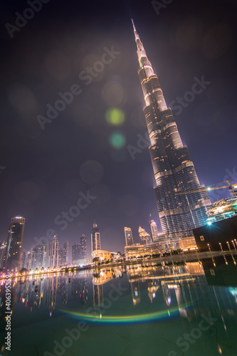 Obraz na plátně Low Angle View Of Illuminated Burj Khalifa At Night