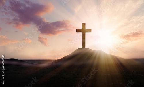 Fotografía Christian cross on hill outdoors at sunrise