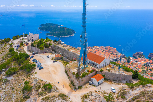 Valokuvatapetti Aerial view of fort Imperial in Croatian town Dubrovnik
