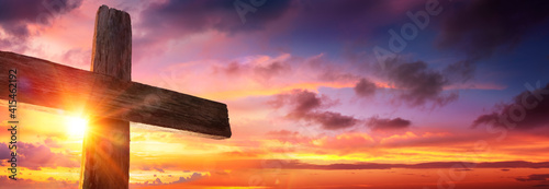 Obraz na płótnie Crucifixion Of Jesus  - Wooden Cross As Sunset
