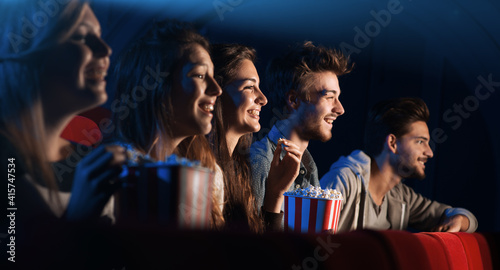 Fotografia Group of friends in the movie theater