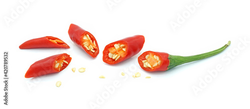 Fotografia Chopped red chili pepper, Hot spice seasoning, Ingredients for spicy food, Isola