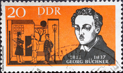 Foto GERMANY, DDR - CIRCA 1963  : a postage stamp from Germany, GDR showing a portrai