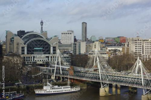 фотография London, UK: panoramic view of Charing Cross station and Golden Jubilee bridge