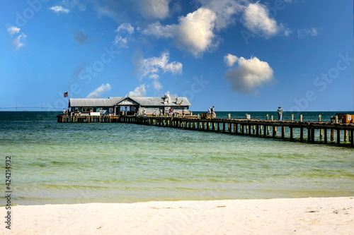 Fotografie, Obraz The Anna Maria Island City Pier stretching out into the Gulf of Mexico in Florid