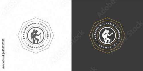 Billede på lærred Climber logo emblem outdoor adventure expedition vector illustration mountaineer