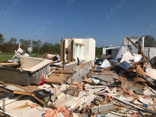 фотография Total Destruction Hurricane Laura 2020 - Lake Charles, Louisiana - Mobile Home P