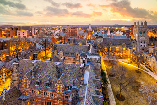 Historical building and Yale university campus from top view Fototapete