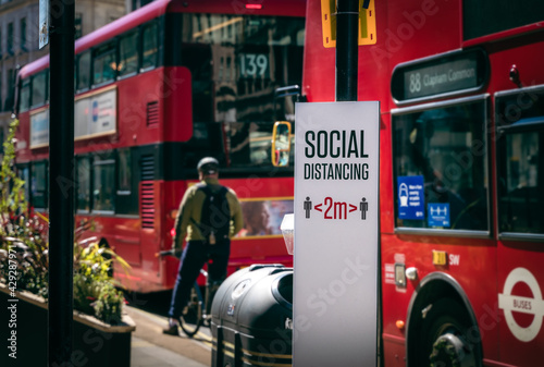 Valokuva Social Distancing 2m Sign during Covid-19 Coronavirus Pandemic Lockdown in Regen