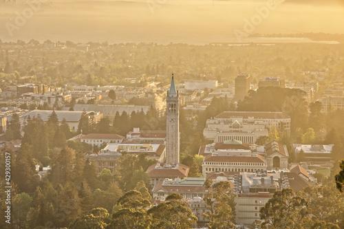 UC Berkeley Landscape at Sunset Fototapete