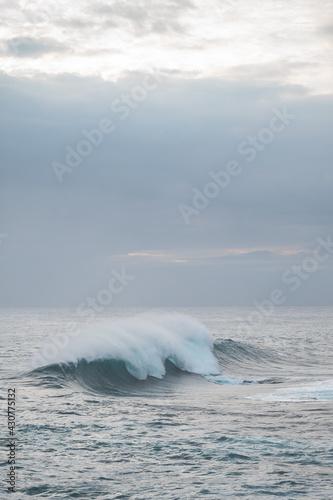 Great wave of Kanagawa and black rocks Fototapeta