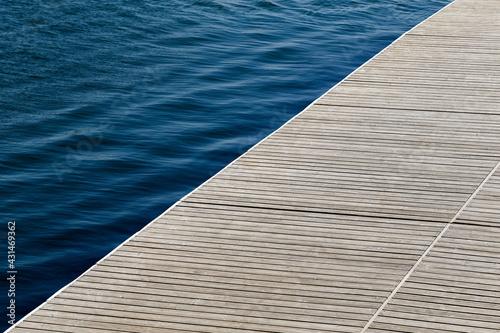 Murais de parede Empty wooden dock