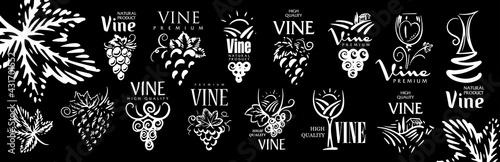 Fotografia Vector set of hand drawn logos for wine