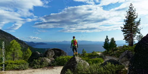 Photo The view at Lake Tahoe while biking,