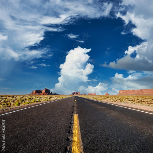 Fotografie, Obraz Empty scenic highway in Monument Valley