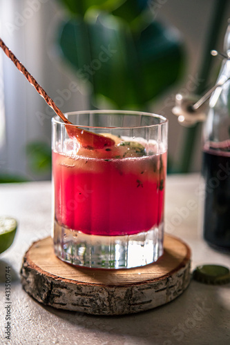 Obraz na plátně pink elderberry mocktail in a glass