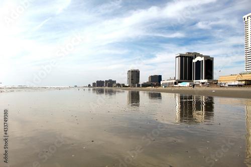 Foto skyline and Atlantic Ocean in Atlantic City, New Jersey