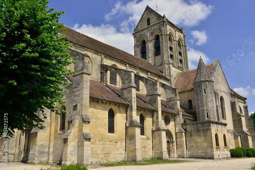 Wallpaper Mural Église de Auvers-sur-Oise (95430), département du Val-d'Oise en région Île-de-Fr