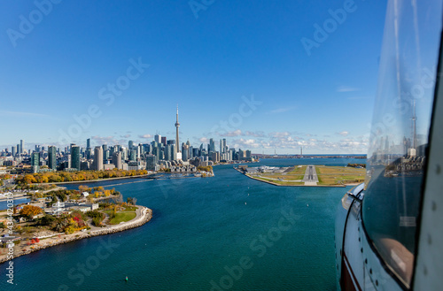 Slika na platnu Aerial image from the approach to Billy Bishop Airport from the west