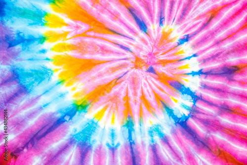Fotografia spiral tie dye rainbow color beautiful background.