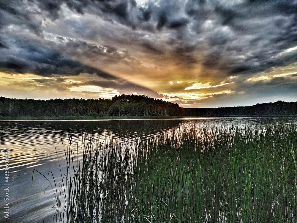 Zachód słońca . Jezioro Niedźwiedno ,Lubuskie