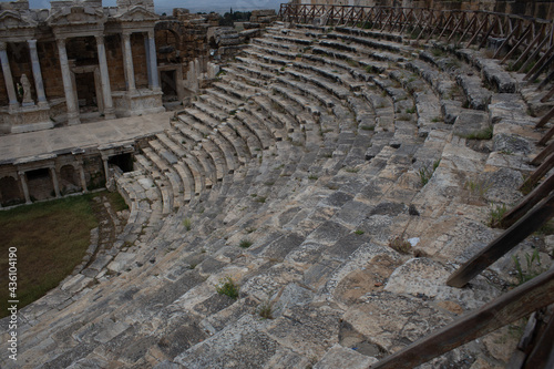 Ancient Roman amphitheater made of stone under the open sky in Pamukkale in Turk Fototapet