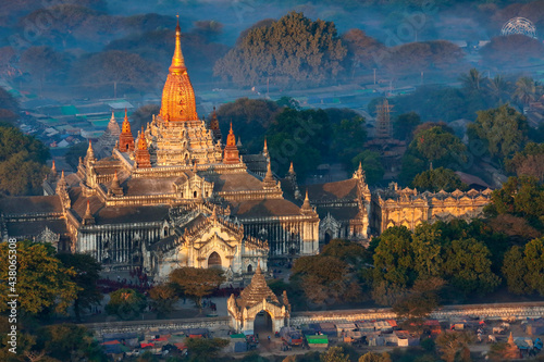 Canvas Dawn over the temples of Bagan - Myanmar