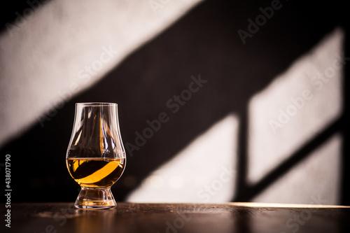 Canvas Print Glencairn single malt whisky glass