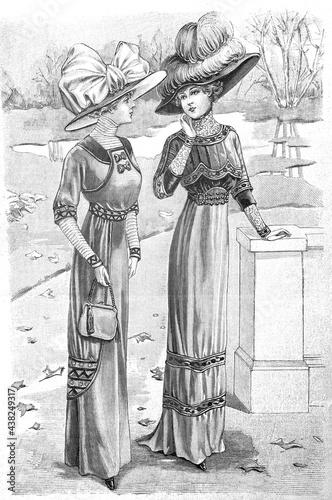 Obraz na plátně Women wearing vintage elegant dress hat. Antique fashion Paris