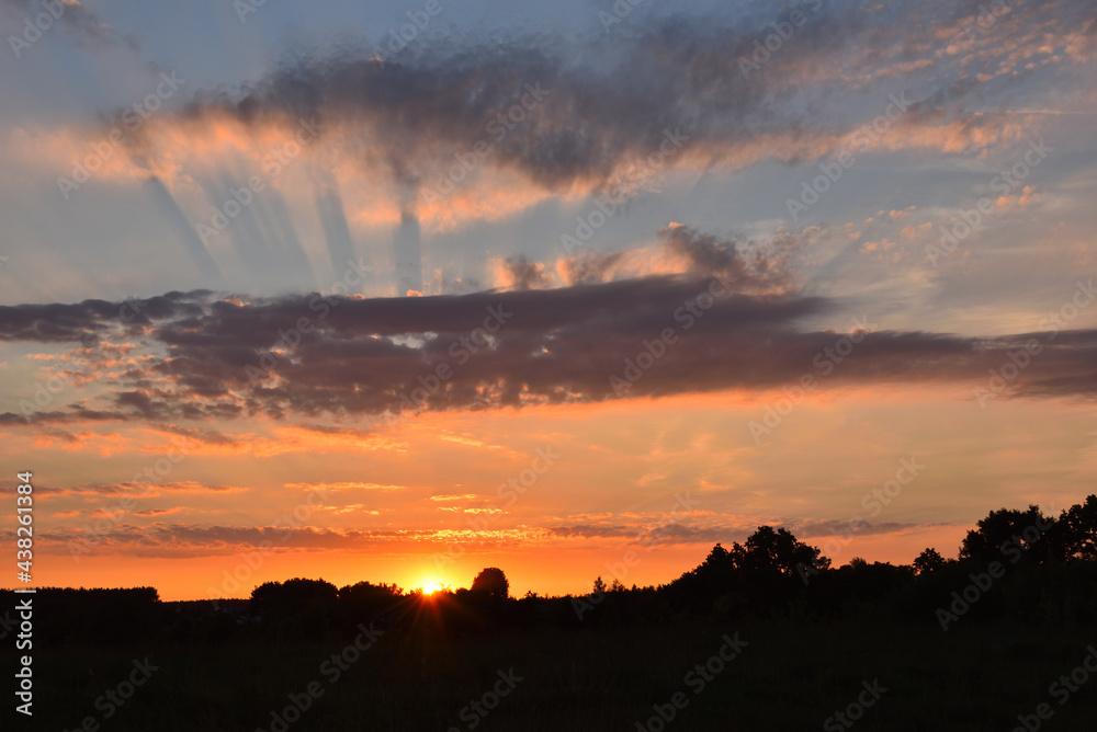 zachód słońca i chmury