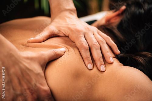Fotografía Deep Tissue Massaging.