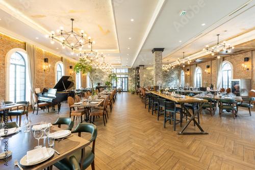Valokuvatapetti Interior of an empty large hotel restaurant