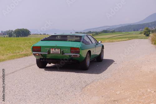 lamborghini verte des années 70 фототапет