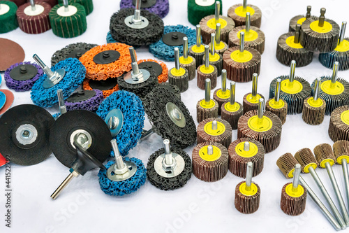 various sanding flap wheel with rope abrasive disc tools for grinding and deburr Fototapete