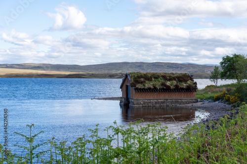 Canvas Print Loch Loyal boathouse