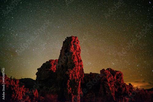 Tufa under the stars at Mono Lake Fototapeta