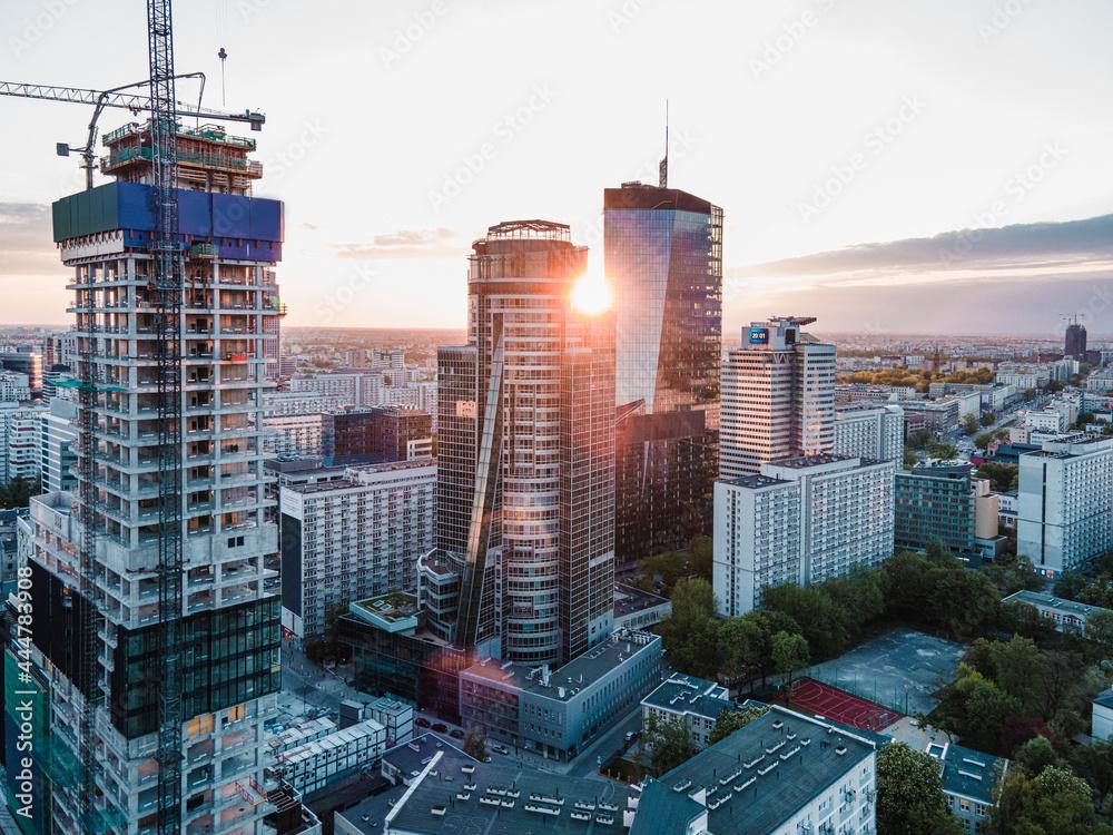 Warszawa - Zachód słońca w centrum miasta - obrazy, fototapety, plakaty