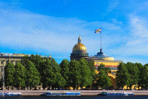 Stampa su Tela Admiralteyskaya embankment in Saint Petersburg, Russia