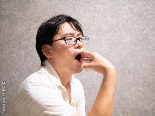 Fotografija 顎が痛くて口が開かない