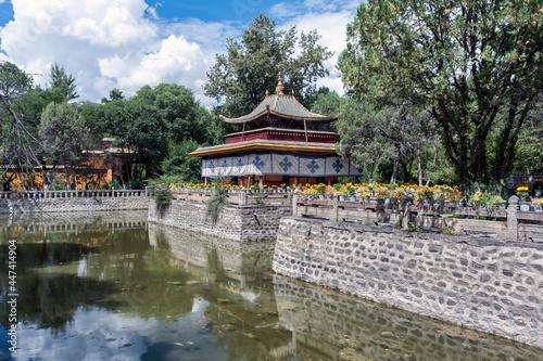 Fotografia Tsokyil Palace in Nobulingka Park, Lhasa, Tibet